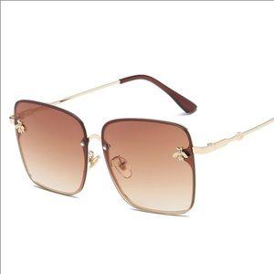 Sunglasses brown bug detail design